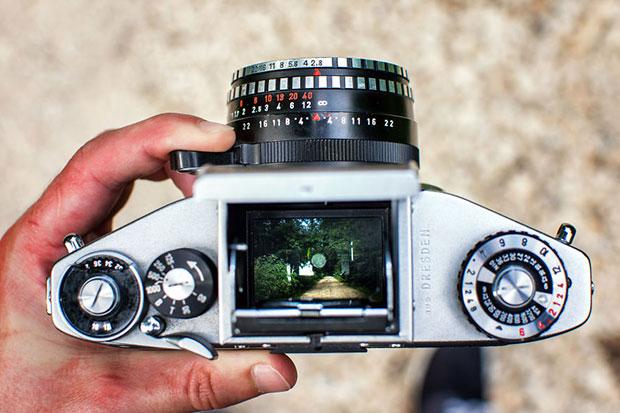 ช่องมองภาพของกล้องอนาล็อกโบราณ