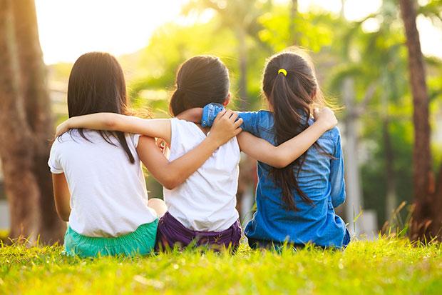 เหตุผลที่เพื่อนในวัยเด็กจะเป็นเพื่อนที่ดีที่สุดเสมอ