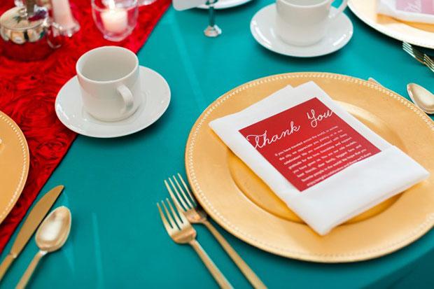 การแต่งงานสไตล์วิสคอนซิน ช่อดอกไม้ โต๊ะสำหรับแขก