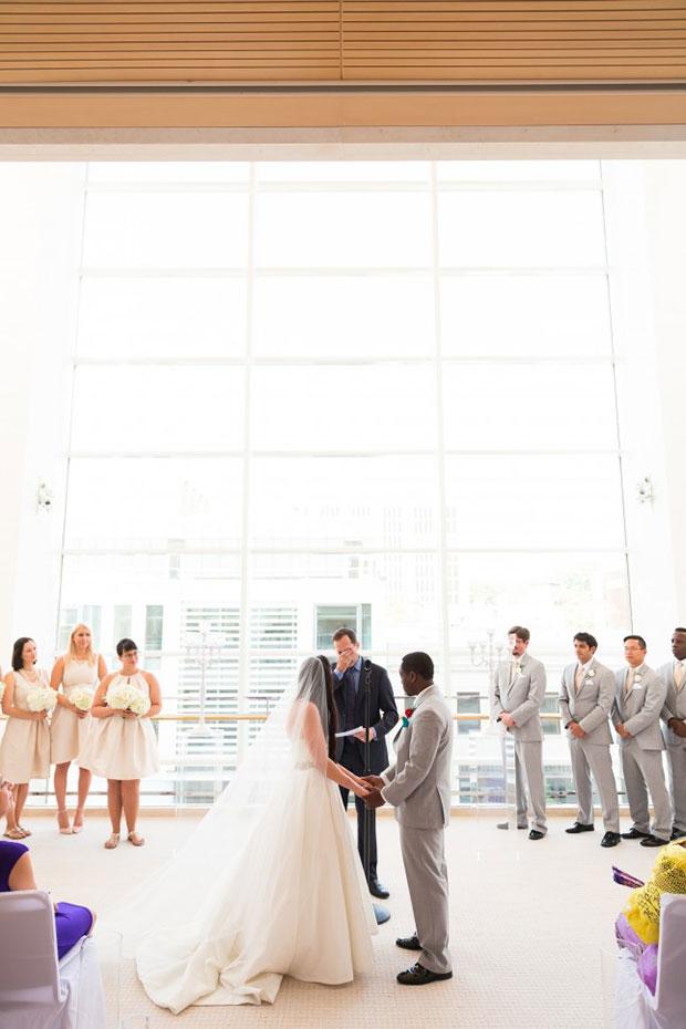 การแต่งงานสไตล์วิสคอนซิน สวมแหวนแต่งงาน