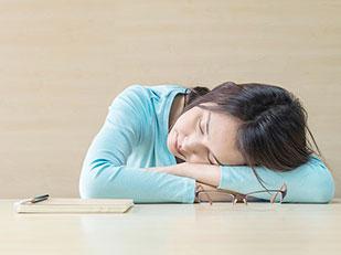 ทำไมจึงรู้สึกเหนื่อยอ่อนเพลียตลอดเวลา