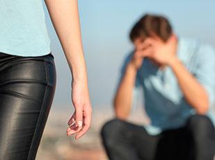 ทำไมผู้หญิงจึงทิ้งผู้ชายที่ตัวเองรัก