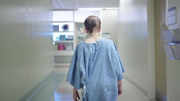 นักออกแบบเนรมิตชุดคนไข้โรงพยาบาลให้ผู้ป่วยเด็ก