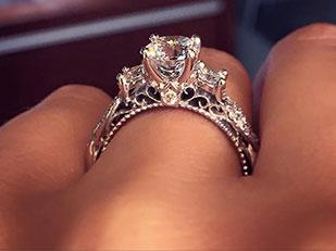 นี่คือแหวนหมั้นที่ได้รับความสนใจสูงสุดใน Pinterest