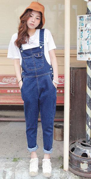 แฟชั่นสไตล์สาวเกาหลี, เสื้อยืดสีขาว, เอี๊ยมยีนส์