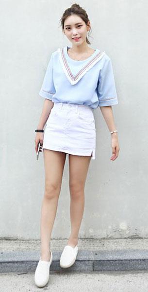 แฟชั่นสไตล์สาวเกาหลี, เสื้อสีฟ้า, กระโปรงยีนส์สีขาว