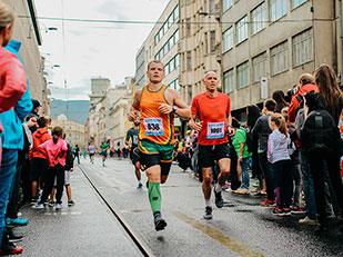 การแข่งเดินต่างจากการแข่งวิ่งอย่างไร