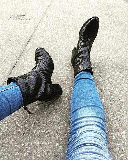 รองเท้าบูท, กางเกงยีนส์