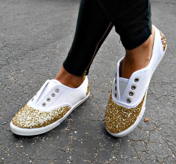 วิธี DIY รองเท้าแบบง่ายๆด้วยกากเพชร