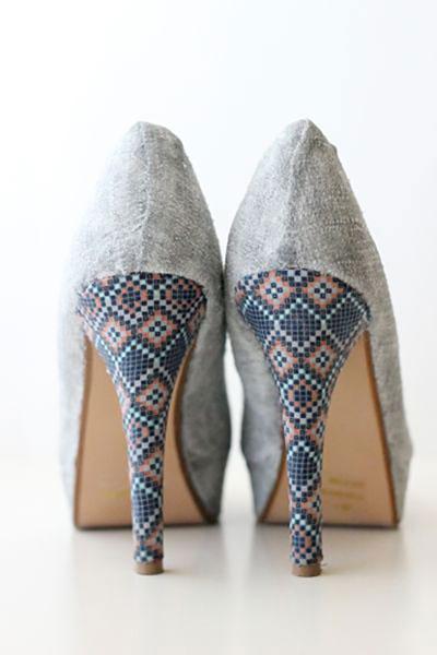 วิธี DIY รองเท้าแบบง่ายๆด้วยผ้า