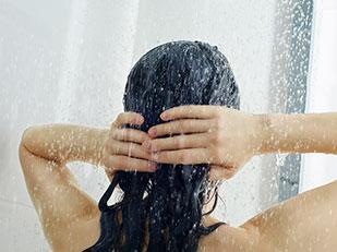 เคล็ดลับการอาบน้ำ 90 วินาทีที่จะทำให้คุณกระฉับกระเฉงไปตลอดทั้งวัน