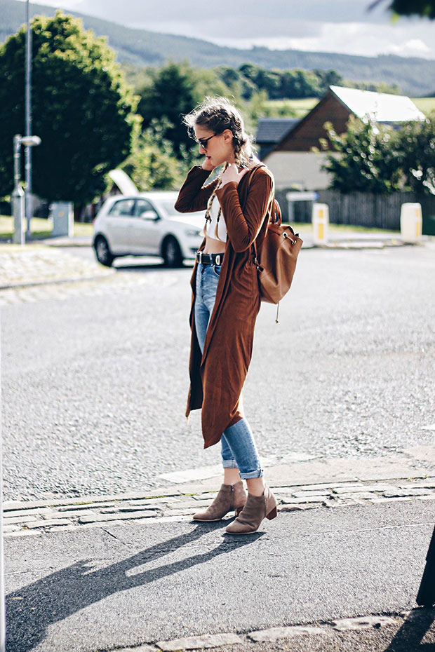 เสื้อคลุม iClothing, เสื้อ Bubble, กางเกงยีนส์ Zara, รองเท้าบู๊ท La Redoute, กระเป๋าเป้ La Redoute