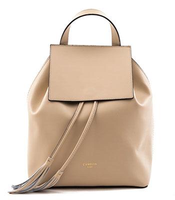กระเป๋าเป้หนังของ Camelia Roma