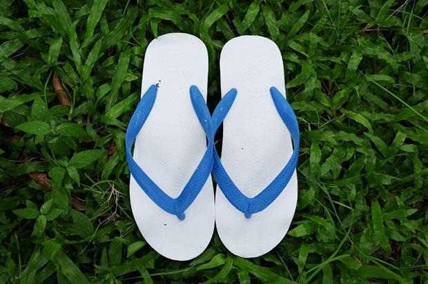 ของฝากสำหรับคนต่างชาติ รองเท้าแตะคีบตราช้างดาว