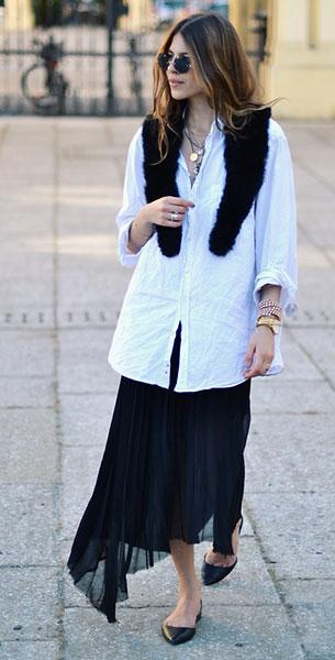 ผ้าพันคอสีดำ, เสื้อเชิ้ตสีขาว, กระโปรงสีดำ
