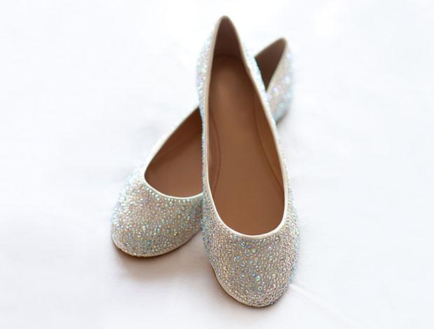 รองเท้าแต่งงานส้นแบบ