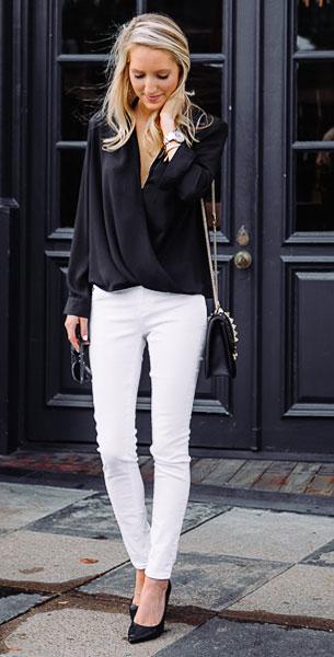 เสื้อสีดำ Topshop, กางเกงยีนส์สีขาว AG, กระเป๋า Valentino