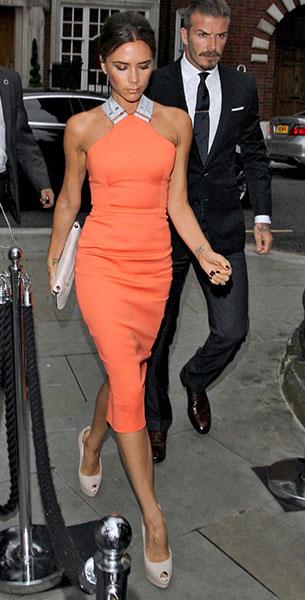 Victoria Beckham เสื้อผ้าเน้นทรวดทรง
