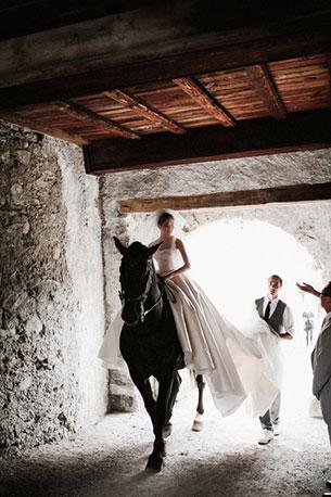 งานแต่งงานที่ปราสาทในสวิสเซอร์แลนด์