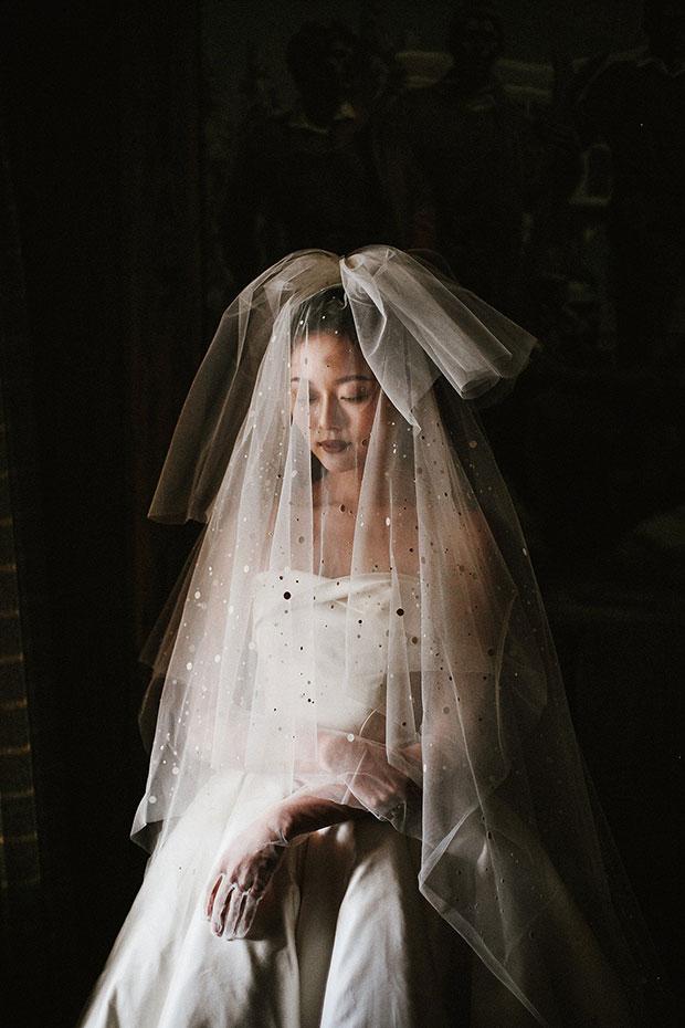 ชุดแต่งงานในงานแต่งที่ปราสาทในสวิสเซอร์แลนด์