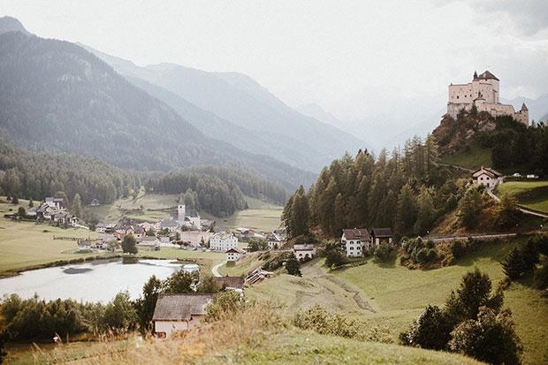 ปราสาทในสวิสเซอร์แลนด์ที่ใช้จัดงานแต่งงาน