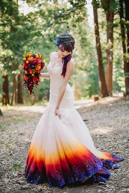 เทรนด์ชุดแต่งงานใหม่ที่จะสร้างสีสันให้กับวันพิเศษ