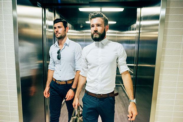 โยคะระหว่างอยู่ในลิฟท์