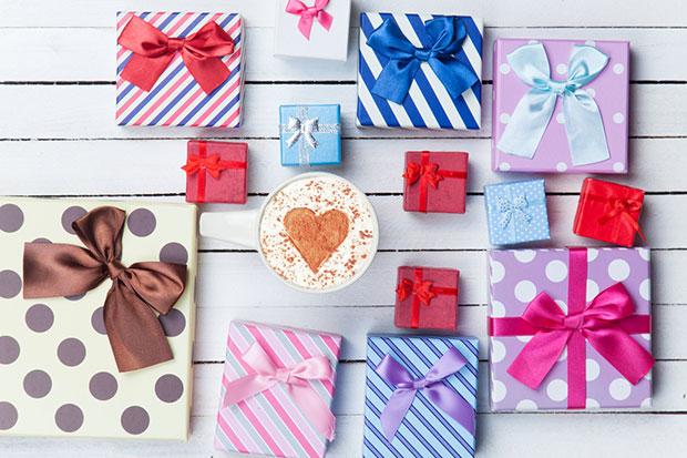 ข้อแตกต่างระหว่างคำว่า Gift กับ Present ของขวัญ