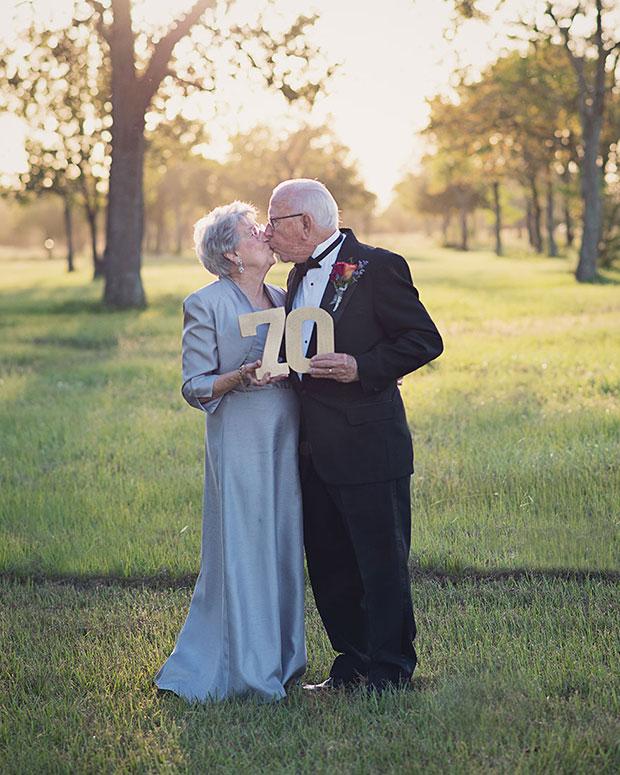 รอ 70 ปีถ่ายรูปแต่งงาน