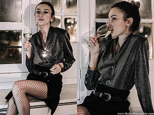 เสื้อ Vintage, เข็มขัด Vintage, กระโปรง Maje, ต่างหู Zara