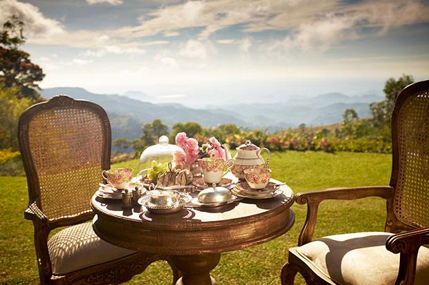 สถานที่นั่งจิบชาแบบไฮทีที่นักท่องเที่ยวต่างแนะนำ