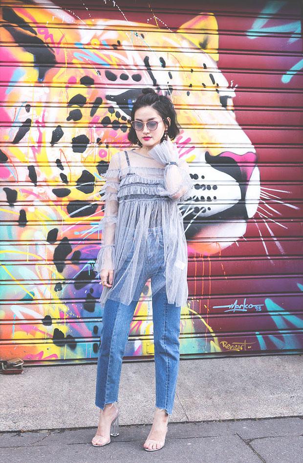เดรส Glamorous, กางเกงยีนส์ H&M, รองเท้า Boohoo, Choker H&M, แว่นตากันแดด Jimmy Choo