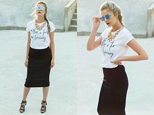 เสื้อยืด Urban Gang, กระโปรง H&M, แว่นตากันแดด New Yorker, รองเท้า Zara, สร้อยคอ BijuTrend