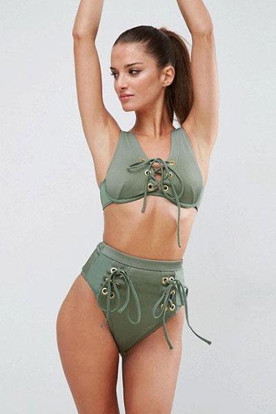 ชุดว่ายน้ำเอวสูงสีเขียวทหาร