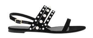รองเท้าส้นแบนสีดำ Charles & Keith