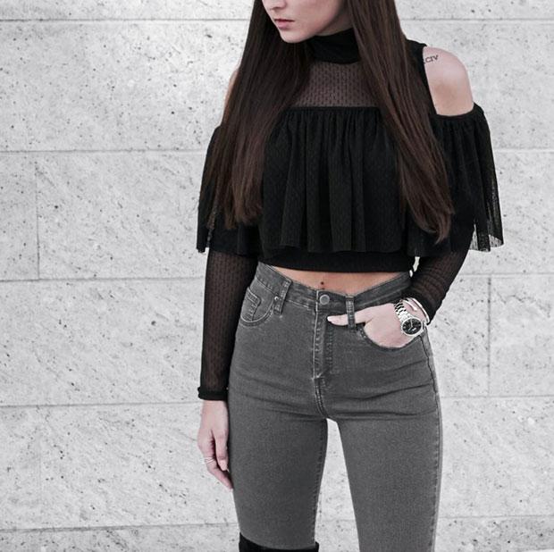 เสื้อ TFNC London, กางเกงยีนส์ Missy Empire, นาฬิกา Nicole Vienna, รองเท้าบู๊ท EGO