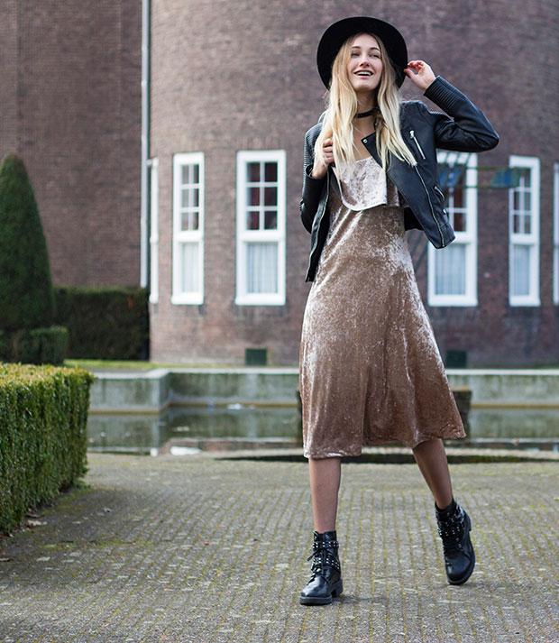 แจ็คเก็ต Zara, เดรส Warehouse, รองเท้าบู๊ท Asos, Choker Lamoda, หมวก H&M