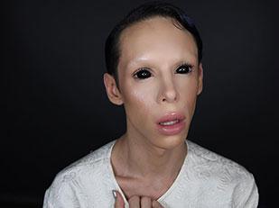 แปลงโฉมเป็นมนุษย์ต่างดาวไร้เพศ