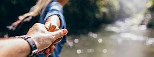 ทำไมคู่รักบางคู่จึงมีลักษณะและนิสัยคล้ายกัน