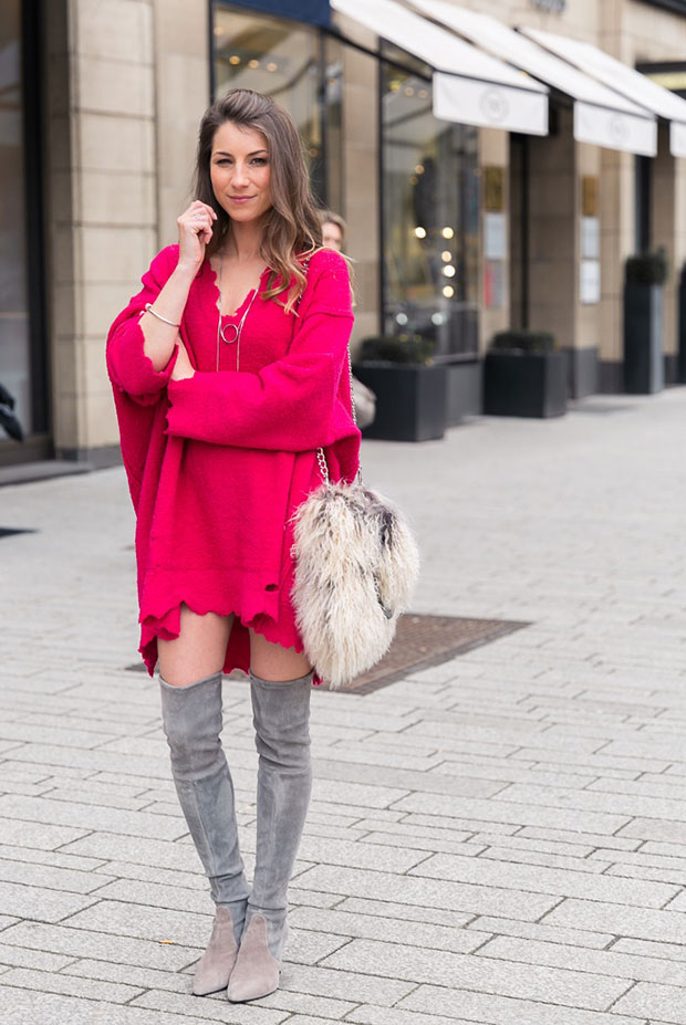 เสื้อ Zara, สร้อยคอ Zara, รองเท้าบู๊ท Stuart Weitzman