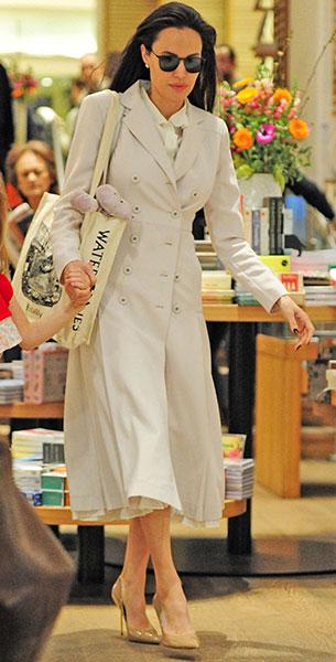Angelina Jolie รองเท้า Kurt Geiger