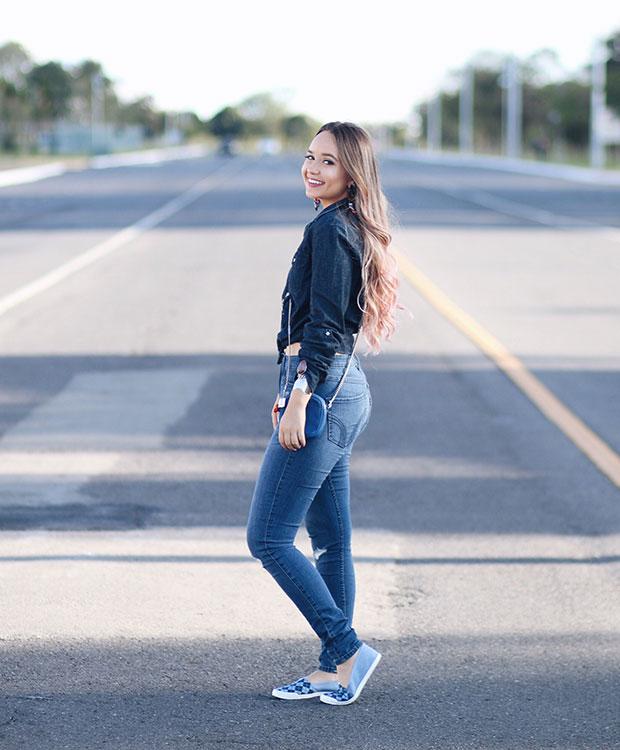 กางเกงยีนส์ Hollister, รองเท้า Moleca, เครื่องประดับ Maria Dolores Iguatemi, กระเป๋า DG