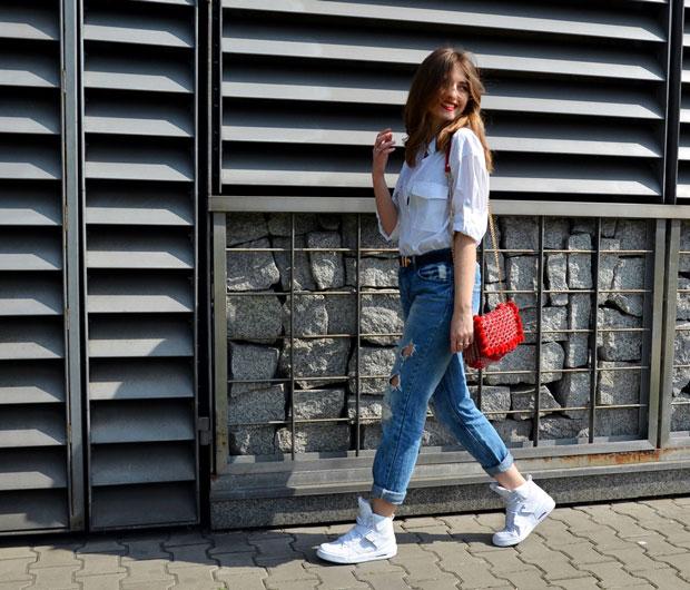 เสื้อ Rag&Bone, กางเกงยีนส์ Tally Weijl, รองเท้า Nike, เข็มขัด Tally Weijl, กระเป๋า Zara