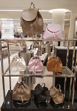 กระเป๋า Coccinelle Sale เอ็มโพเรียม