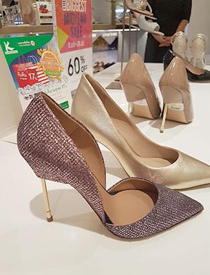 รองเท้า Sale