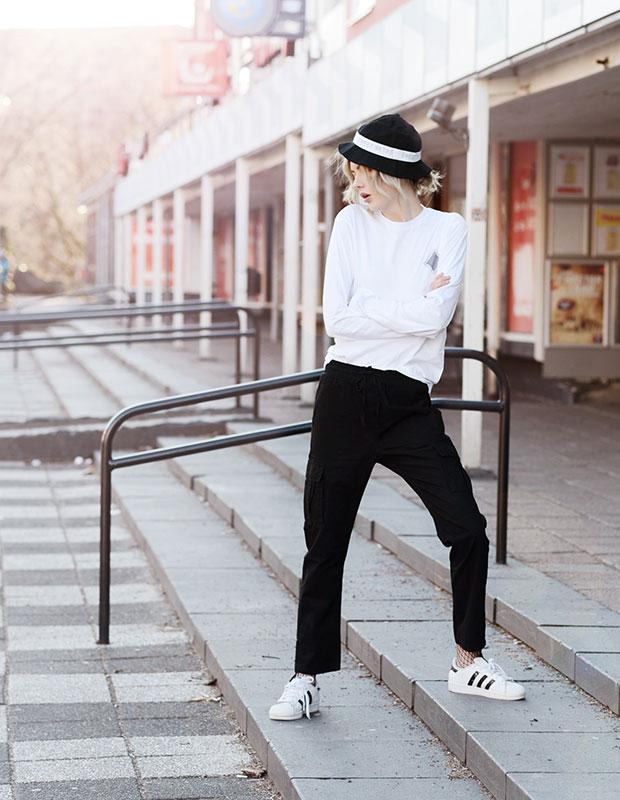 เสื้อ Yunkyard, หมวก Junkyard, รองเท้า Adidas