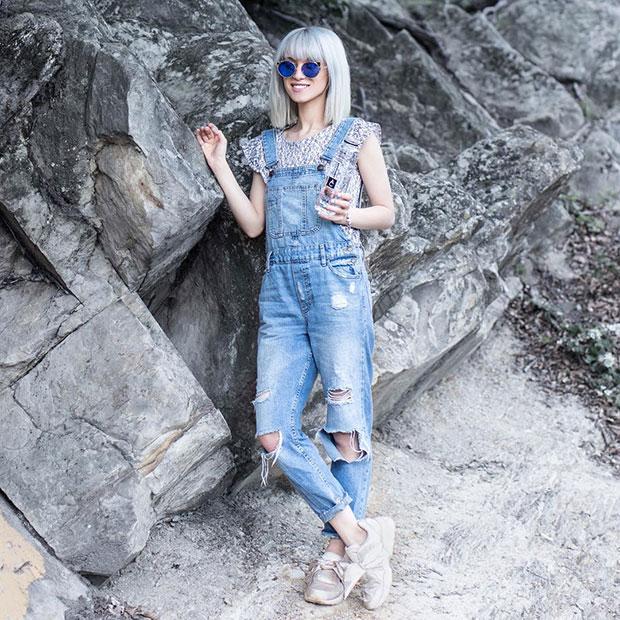 Zara Overall, Puma Sneakers, La Petite Lunette Rouge Sunglasses