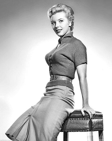 บราทรงกระสุนเทรนด์สุดฮิตของชุดชั้นในช่วงปี 1940 และ 1950