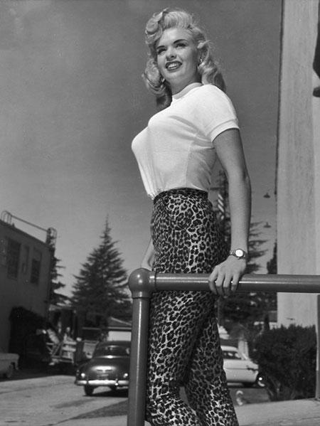 ยกทรงทรงกระสุนเทรนด์สุดฮิตของชุดชั้นในช่วงปี 1940 และ 1950