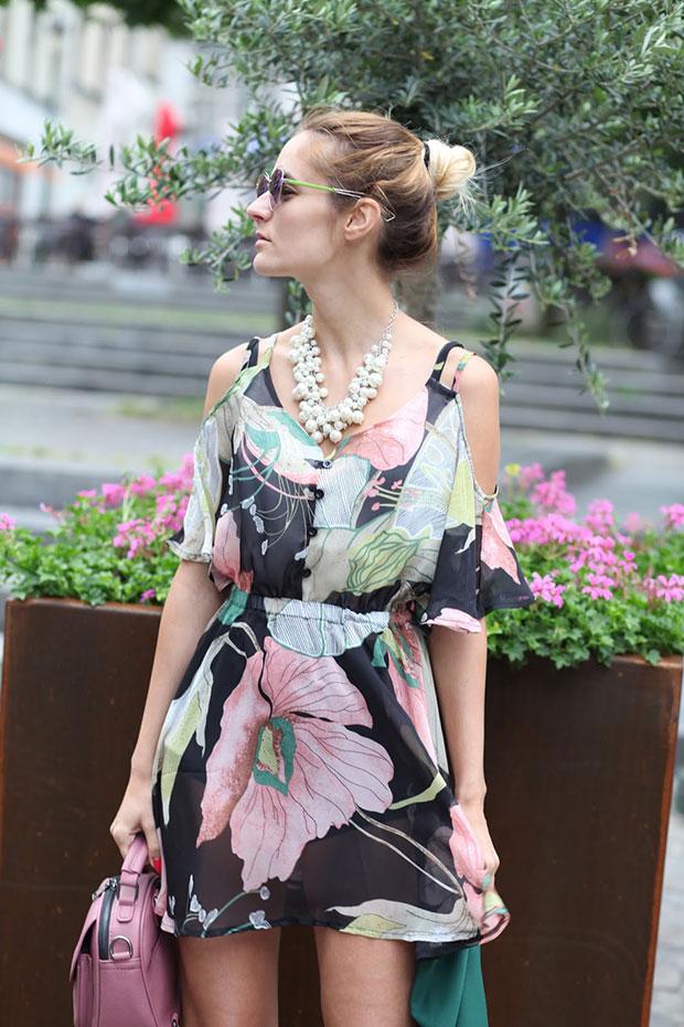 เดรส Poppy Lovers, กางเกง Asos, รองเท้า Mango, ผ้าคลุม Fashion Mia